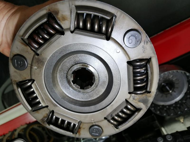 Click image for larger version.  Name:Clutch Sleeve Hube Springs_55K miles_2-MAY-2020.jpg Views:45 Size:66.9 KB ID:388316