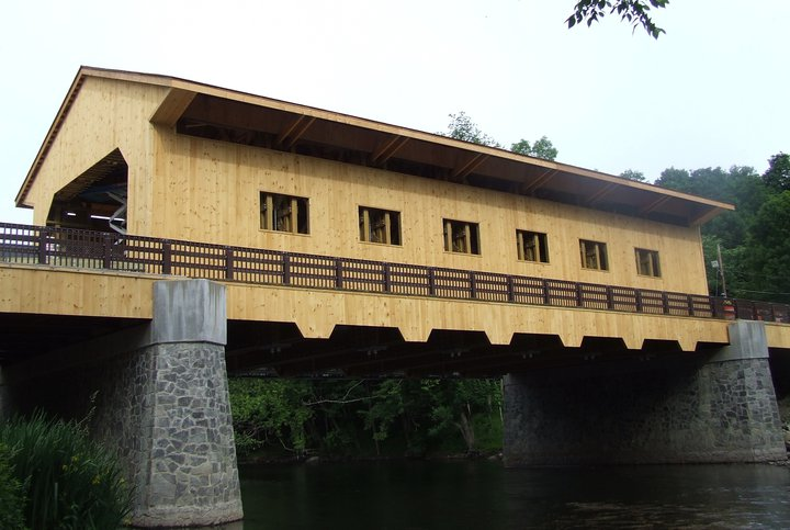 Click image for larger version.  Name:Pepperell_Covered_Bridge_2010.jpg Views:25 Size:67.9 KB ID:351018